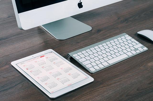 Clean desk.jpg