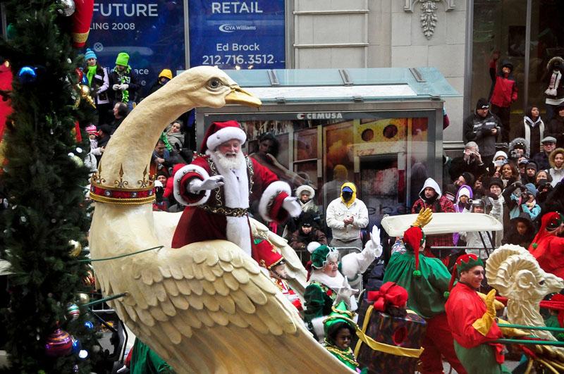 Macys Santa.jpg